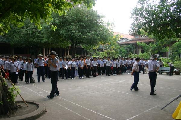Học viên vân tập trước lễ khai mạc