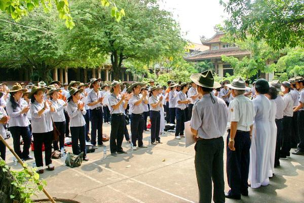 Ban điều hành các bậc học ra mắt các tân học viên