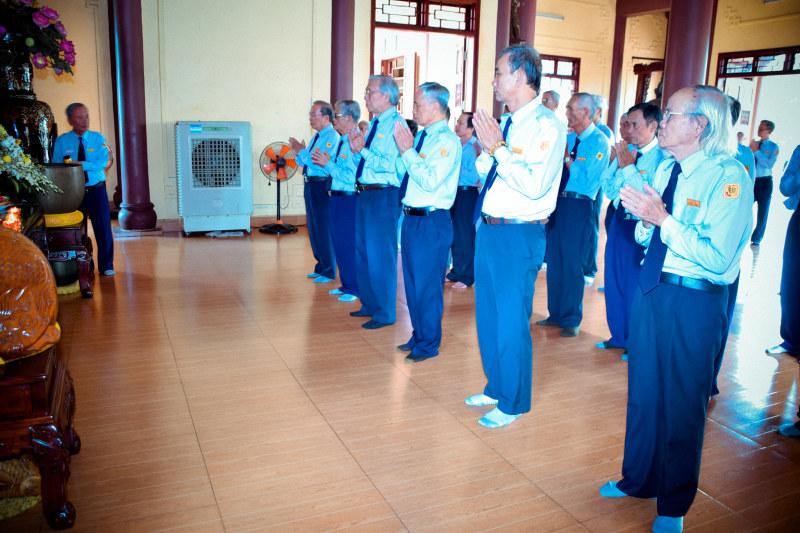 Các anh chị Huynh Trưởng cầu nguyện cho sức khỏe anh Tâm Duệ Nguyễn Đức Châu