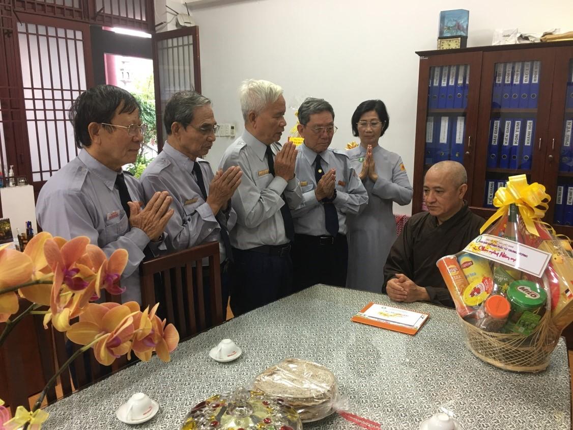Thường trực Ban Hướng dẫn PB GĐPT Trung ương thăm và vấn an chúc Tết chư tôn đức
